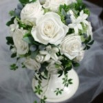 プリザーブドフラワーの白ドレス用ブーケ